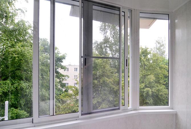 Как поставить раздвижные окна на балконе своими руками
